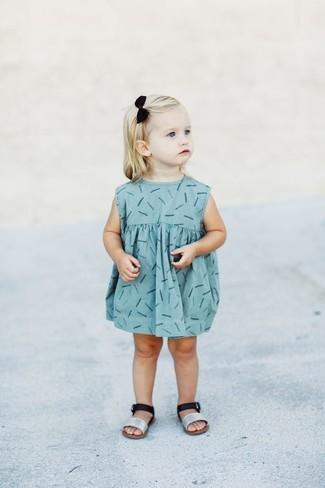 Cómo combinar un vestido con unas sandalias: