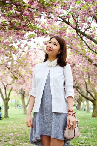 Vestido gris camisa blanca