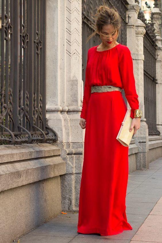 Vestido largo rojo flores blancas