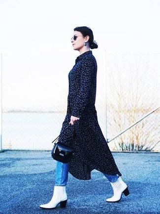 Vestido corto negro con lunares blancos