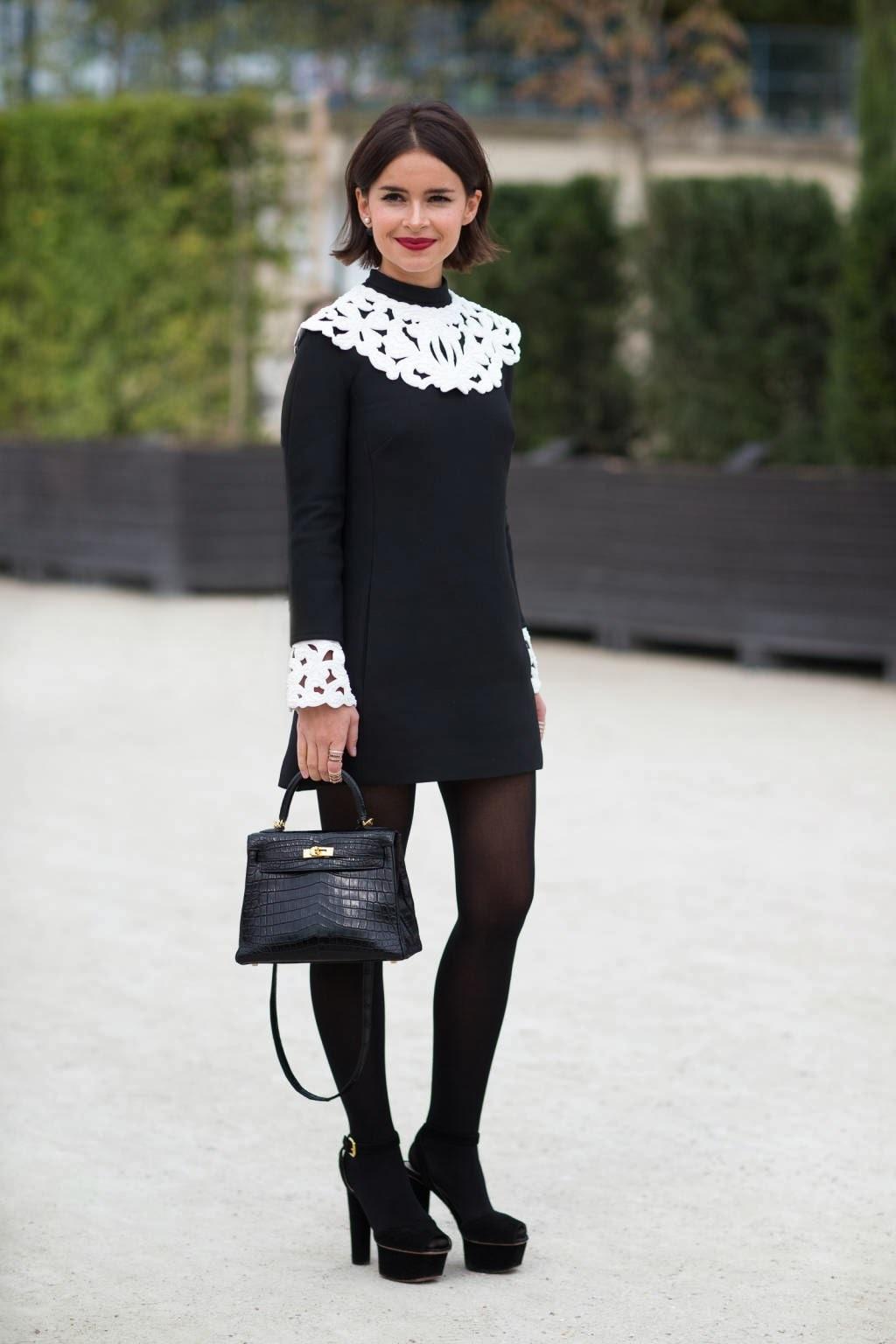 Outfit vestido negro y medias negras
