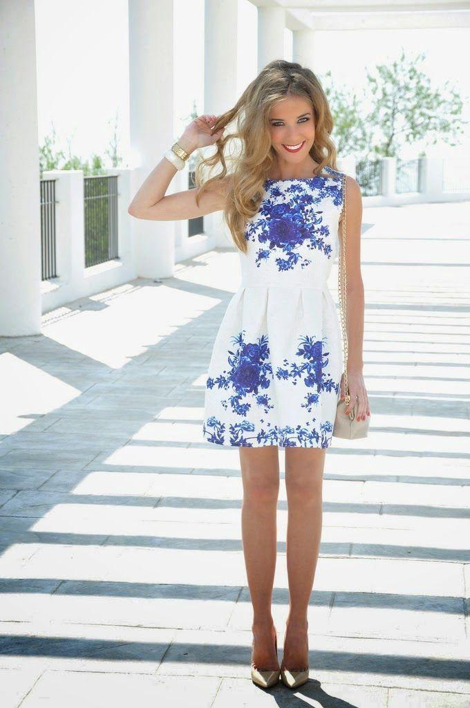 Que zapatos usar con vestido blanco con azul
