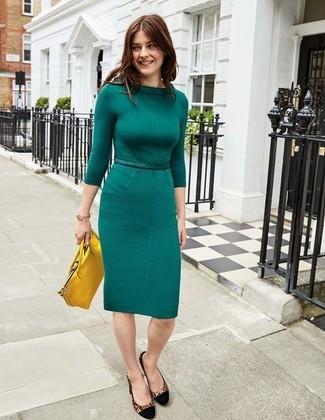 06292da8 ... Look de moda: Vestido tubo en verde azulado, Zapatos de tacón de ante de