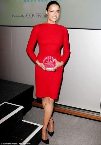 Vestido tubo rojo zapatos de tacon de saten negros large 26501