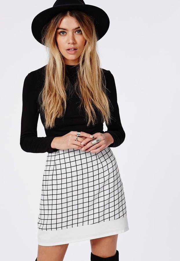 Minifalda a Cuadros Blanca y Negra de Missguided