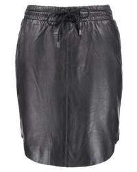 Minifalda de Cuero Negra de Saint Tropez