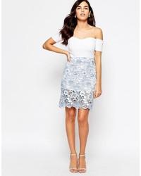 Minifalda de encaje celeste de Glamorous