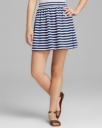 Minifalda de rayas horizontales en blanco y azul
