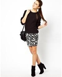 Minifalda estampada en blanco y negro de Vila