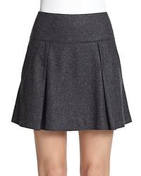 Minifalda plisada en gris oscuro
