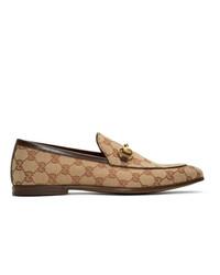 Mocasín de lona estampado marrón claro de Gucci