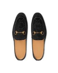 Mocasín de terciopelo negro de Gucci