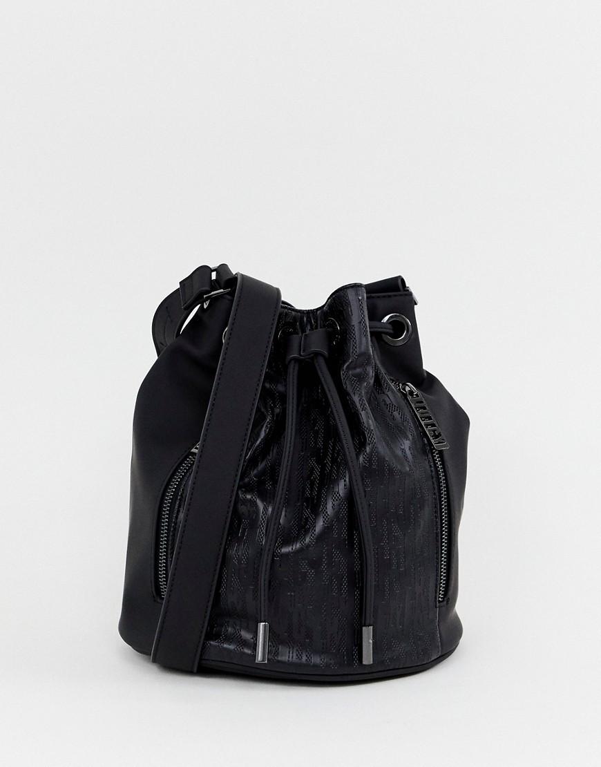 Mochila con cordón de cuero negra de Juicy Couture