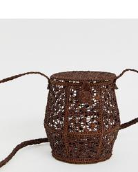 Mochila con cordón de paja en marrón oscuro de Kaanas