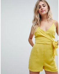 Mono corto amarillo de Missguided