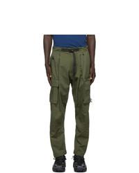 Pantalón cargo verde oliva de Nike