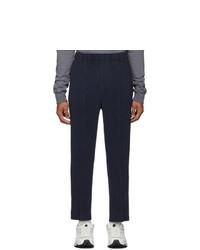 Pantalón chino azul marino de Homme Plissé Issey Miyake