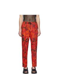 Pantalón chino de lino estampado en rojo y negro de Dries Van Noten