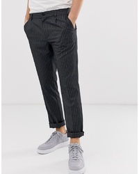Pantalón chino de rayas verticales en gris oscuro de Pier One