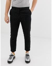 Pantalón chino de rayas verticales negro de Bershka