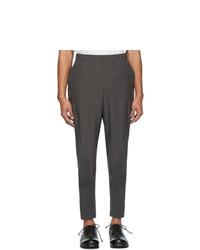 Pantalón chino en gris oscuro de Issey Miyake Men