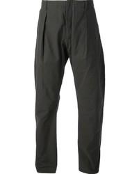 Pantalón chino en gris oscuro