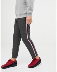 Pantalón chino en gris oscuro de Pull&Bear