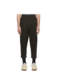 Pantalón chino en marrón oscuro de AMI Alexandre Mattiussi