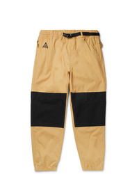 Pantalón chino marrón claro de Nike