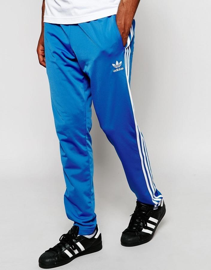 7ab8d53ff49f4 ... Pantalón de chándal azul de adidas ...