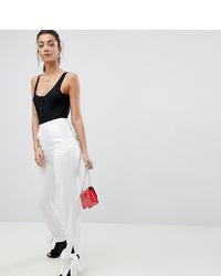 Pantalón de pinzas blanco de Missguided Tall