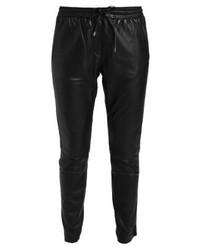 Pantalón de Pinzas de Cuero Negro de Second Female