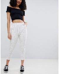 Pantalón de pinzas de rayas verticales blanco de Bershka