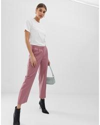 Pantalón de pinzas de rayas verticales rosado