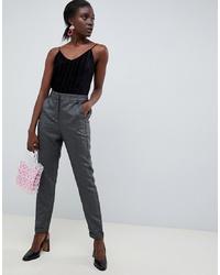 Pantalón de pinzas gris de Vero Moda