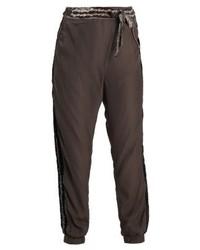 Pantalón de Pinzas Marrón Oscuro de Cream