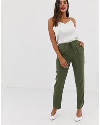 Pantalón de pinzas verde oliva de Vila