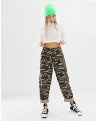 Pantalones anchos de camuflaje verde oliva de ASOS DESIGN