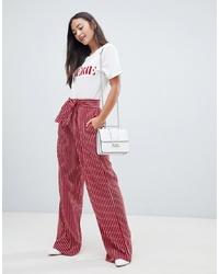 Pantalones anchos de rayas verticales rojos de QED London