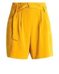 Pantalones Cortos Amarillos de Soaked in Luxury