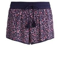 Pantalones cortos con print de flores morado oscuro de Superdry
