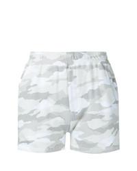 Pantalones cortos de camuflaje en multicolor de Loveless