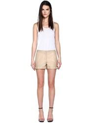 Pantalones cortos de cuero en beige