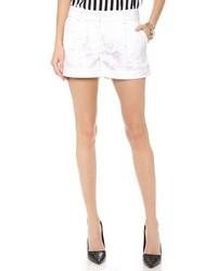 Pantalones cortos de encaje blancos de Diane von Furstenberg