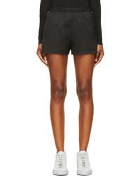 Pantalones cortos de seda negros de Alexander Wang