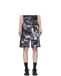 Pantalones cortos estampados en negro y blanco de Moschino