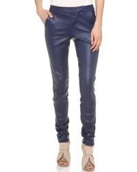 Pantalones pitillo de cuero azul marino de Zero Maria Cornejo