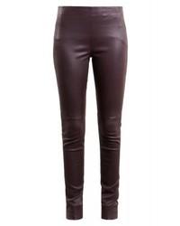 Pantalones pitillo de cuero burdeos de Bruuns Bazaar