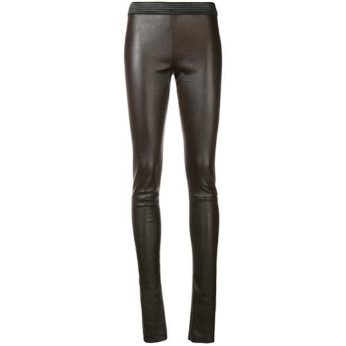 Pantalones pitillo de cuero en marrón oscuro de Drome