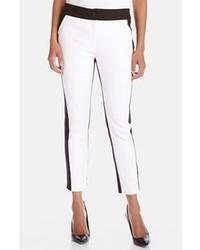 Pantalones pitillo en blanco y negro